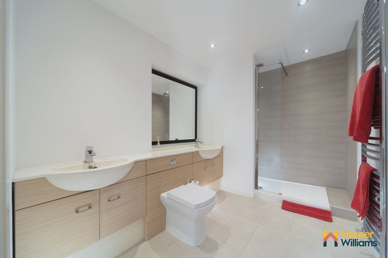 Ensuite Three